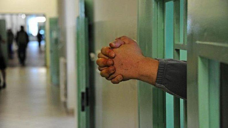 Vittima di truffa finisce in carcere, disavventura per un operaio catanzarese