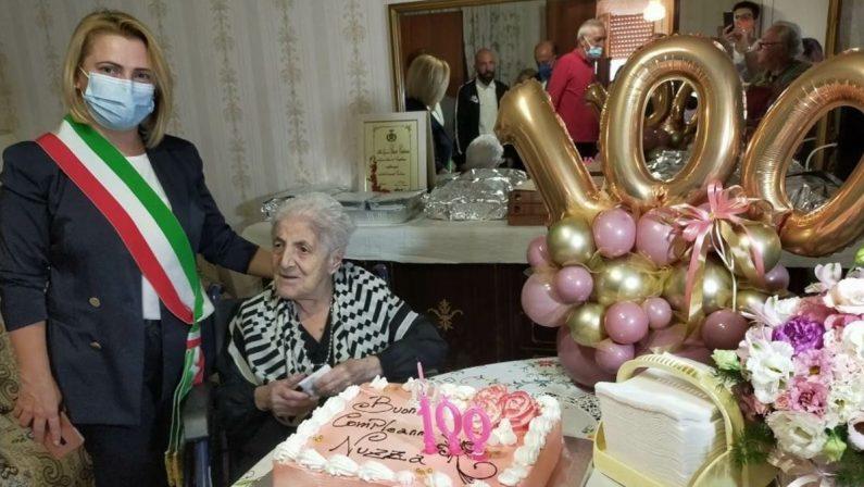 Caulonia, i 100 anni di Nuzza Spanò: viva da sola assistita dai vicini