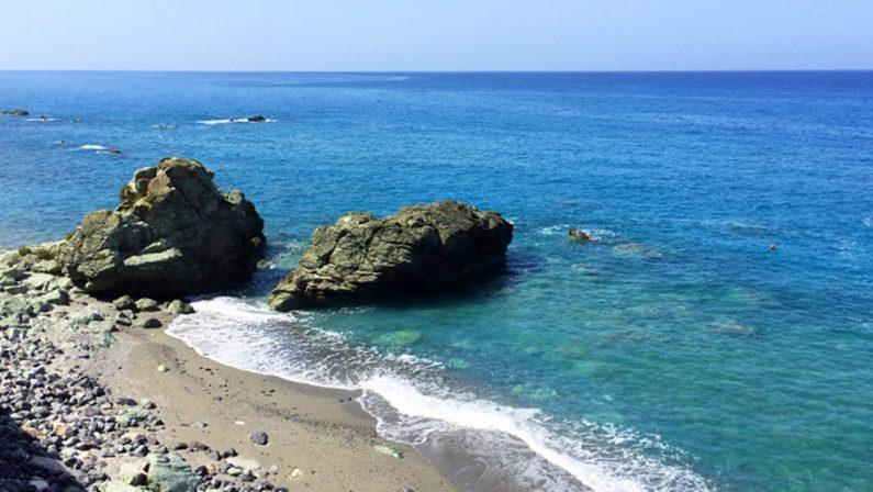 Malore in mare ad Amantea, muore 37enne di Grimaldi