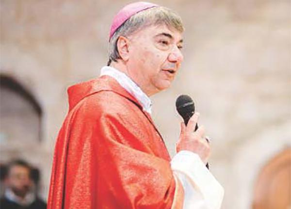 Don Battaglia: la camorra sta uccidendo Napoli