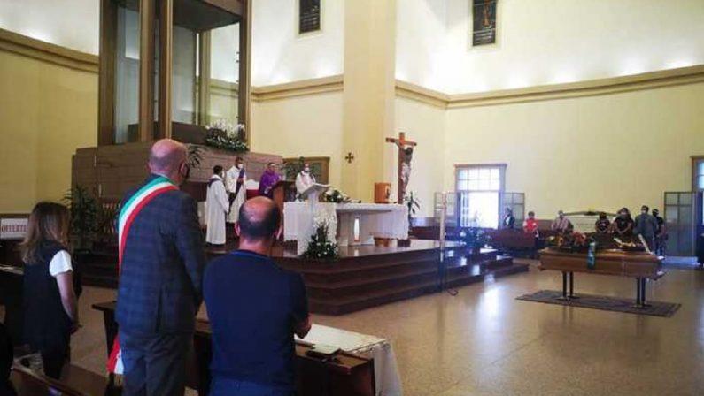 Tragedia di Bitonto, l'ultimo saluto a Paolo Caprio: «Grido di dolore ci renda migliori»