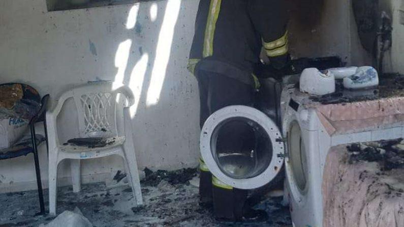 Incendio all'interno della lavanderia di una casa di riposo nel Vibonese