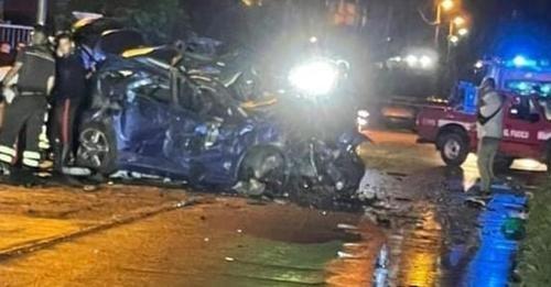 Strage sulle strade del Crotonese: due giovani morti in un incidente e uno ferito