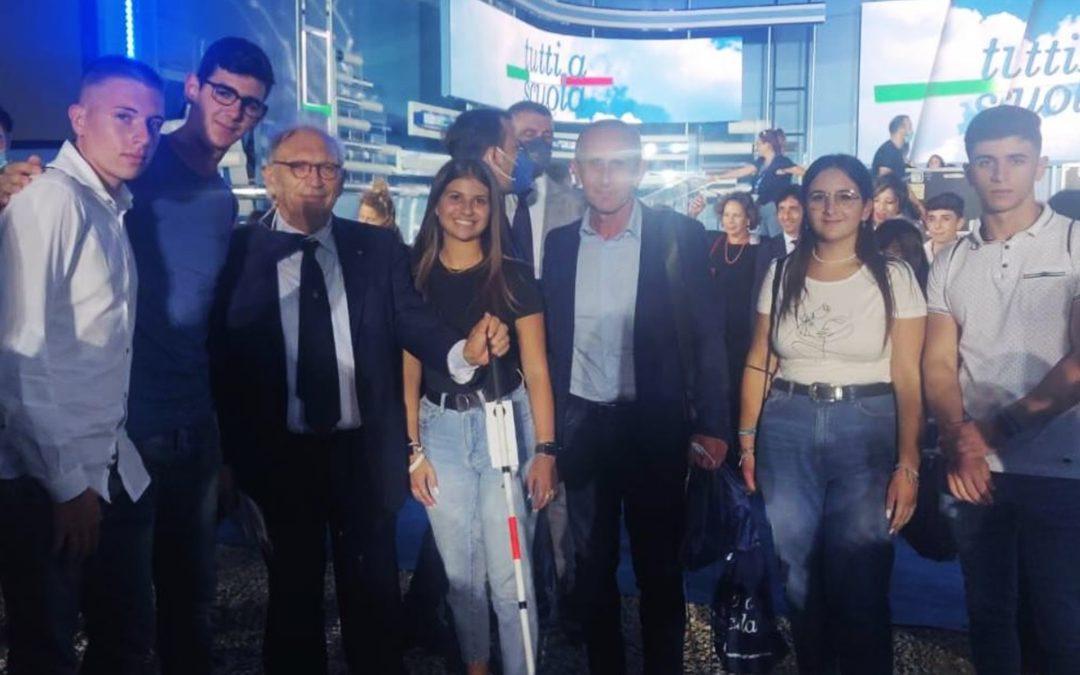 I ragazzi di Nicotera con il ministro dell'Istruzione Patrizio Bianchi