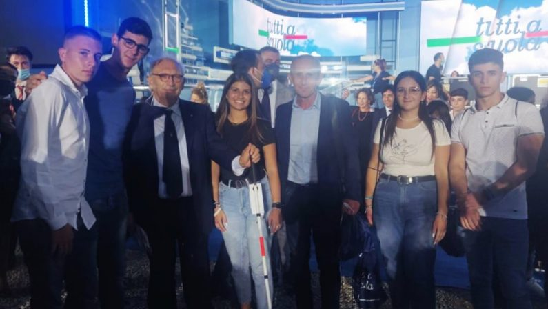 Il bastone intelligente degli studenti di Nicotera presentato a Mattarella e Bianchi