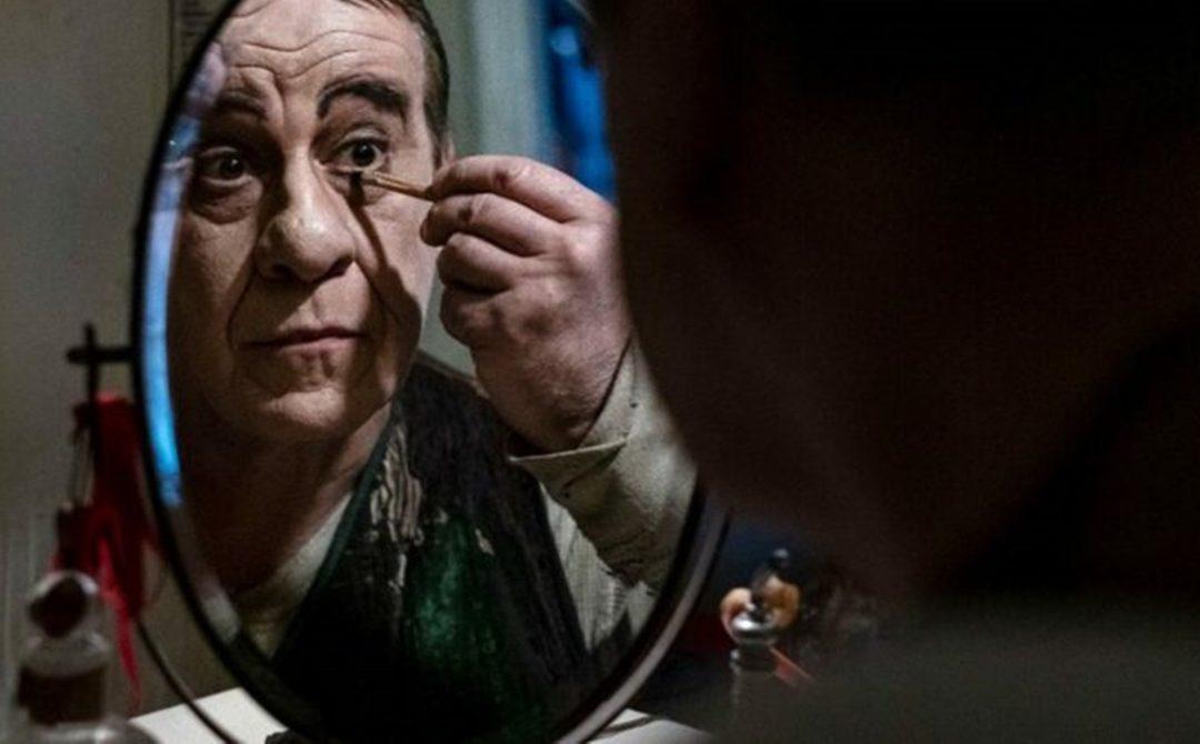 Toni Servillo in una scena di Qui rido io di Martome
