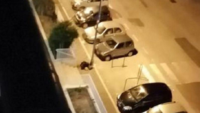 Potenza, ragazza ubriaca abbandonata per strada. La denuncia sui social