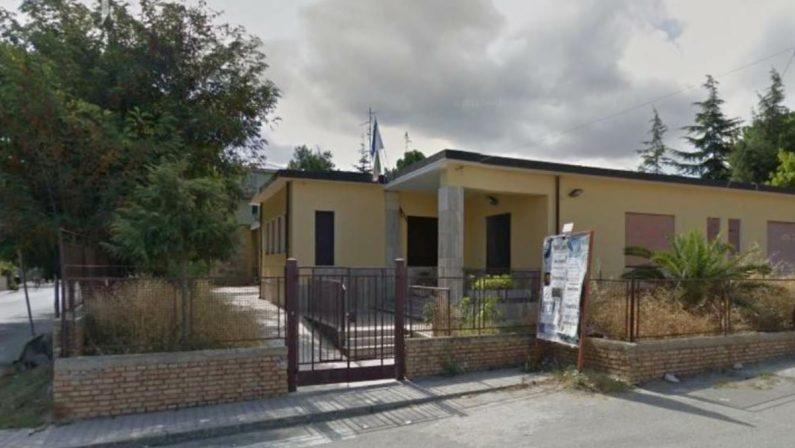 Vibo, spesi 100mila euro per rifare il tetto: ora la scuola rischia l'abbattimento