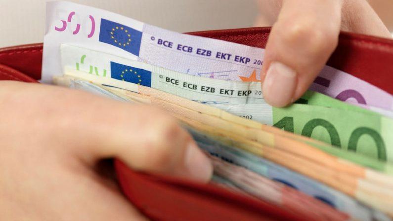 Stipendi sotto i livelli del 1990, tra i Paesi europei sono calati solo in Italia