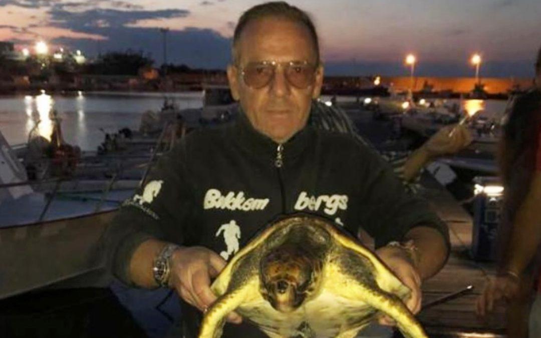 La tartaruga recuperata in mare a Cariati