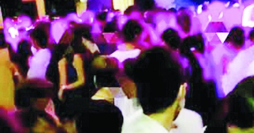 Casamassima, festa con 800 liceali interrotta dalla polizia