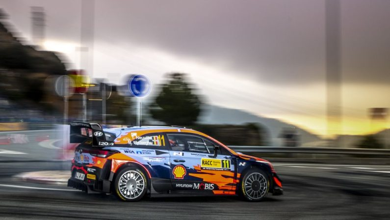 Neuville vince Rally Wrc in Spagna, quarto il leader Ogier
