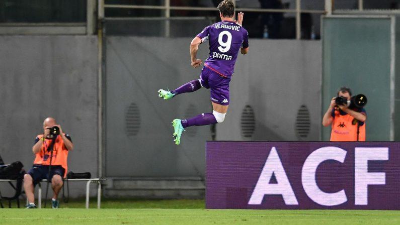 Fiorentina-Cagliari 3-0, gran gol di Vlahovic
