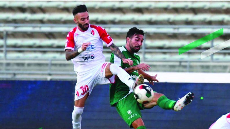 Calcio, il Bari domina contro il Monopoli ma trova il gol solo nella ripresa