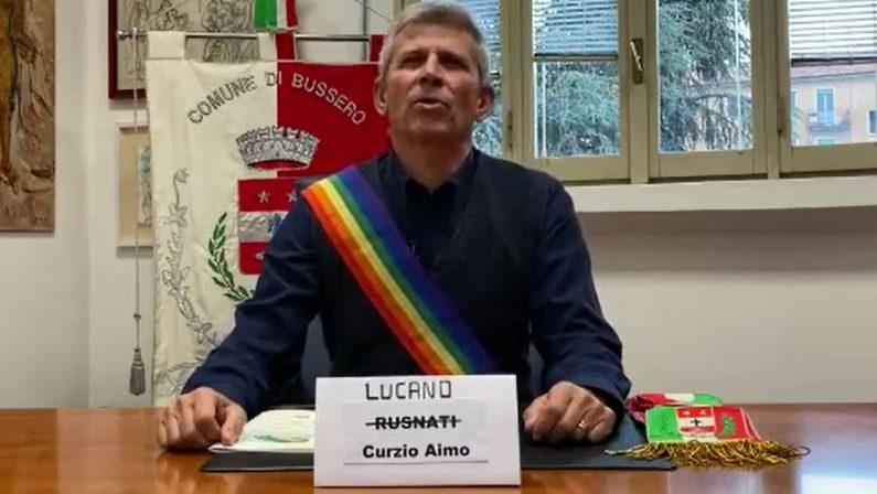 VIDEO - «Oggi mi chiamo Lucano»: ilsindaco di Bussero a sostegno dell'ex primo cittadino di Riace