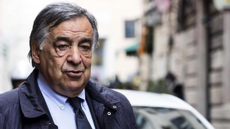 Palermo, bilanci comunali falsi: indagato il sindaco Leoluca Orlando