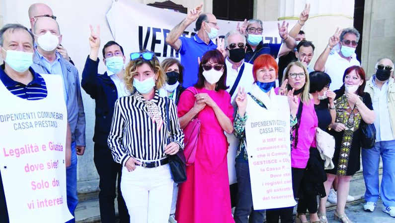 Cassa Prestanza, a Bari non si ferma la protesta