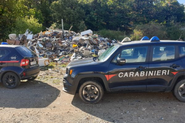 Ambiente: sequestrata discarica abusiva nel Crotonese, denunciato responsabile ufficio tecnico