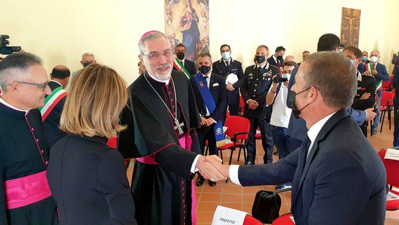 Mileto, il giorno del vescovo Attilio Nostro: l'incontro con le autorità