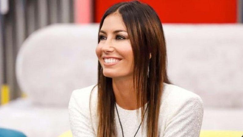 Elisabetta Gregoraci fuori dalla tv dopo il reality, Costanzo: «Le serve pazienza»