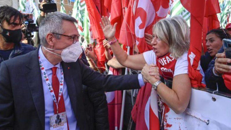 Landini a San Giovanni in cravatta rossa: «Prima volta a un comizio»