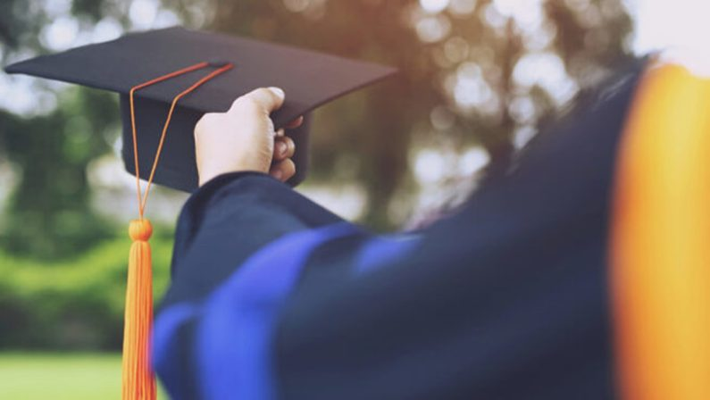 Perché i laureati calabresi trovano poco lavoro? Parla l'esperto