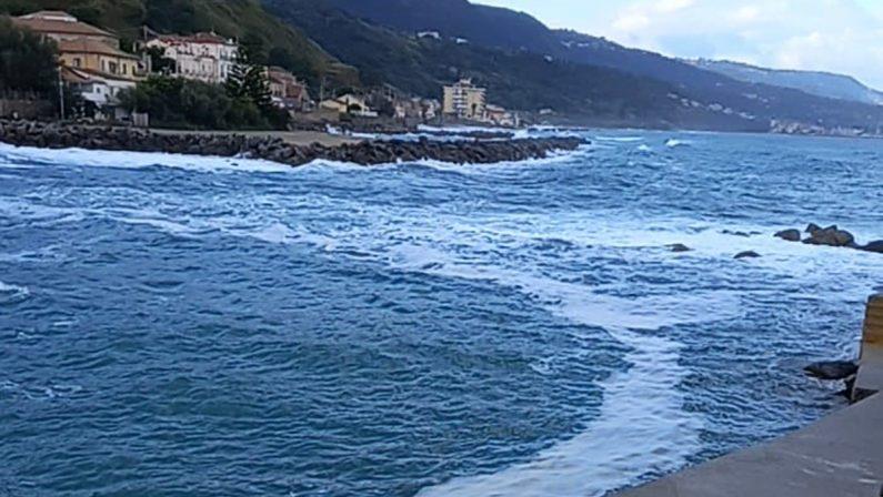 L'estate è passata, l'inquinamento continua. A chi interessa il mare d'ottobre?