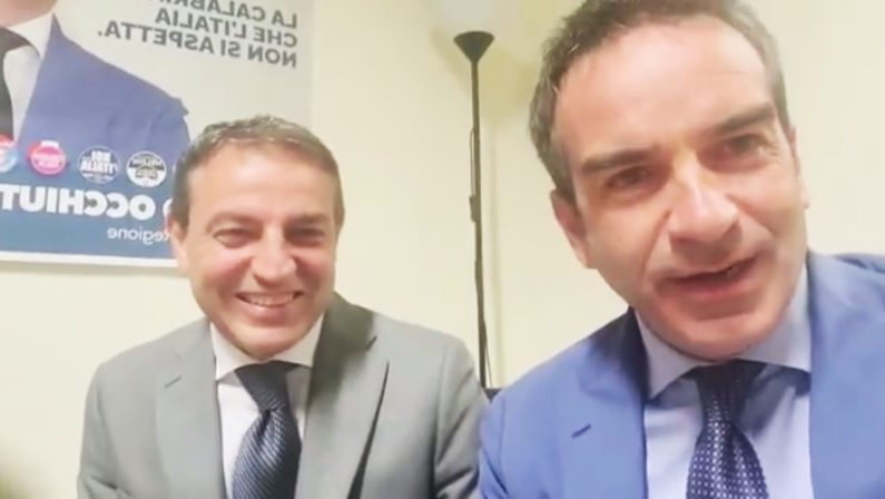 VIDEO - Cosenza, Occhiuto annuncia passeggiata con Francesco Caruso: «Il caffè lo paghiamo noi»