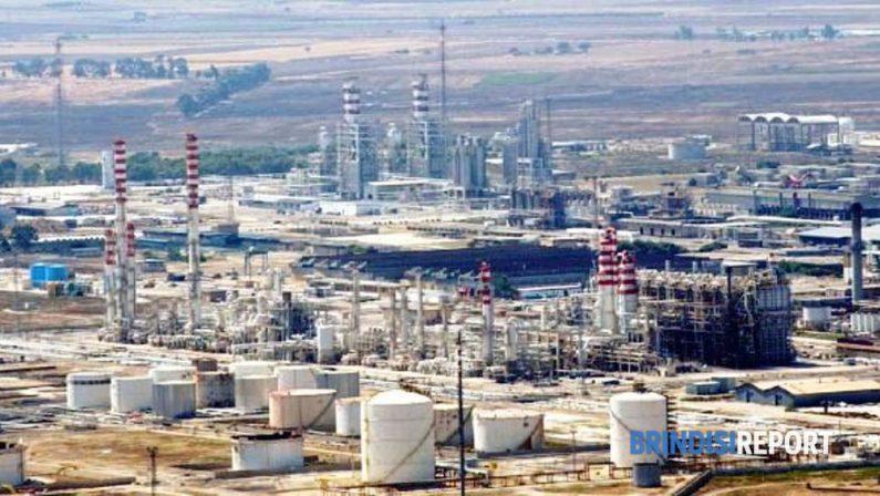 Incidente sul lavoro al Petrolchimico di Brindisi, due operai feriti