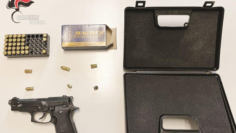 Lite per i confini tra due terreni finisce a pistolettate a Melfi: un ferito e un arresto