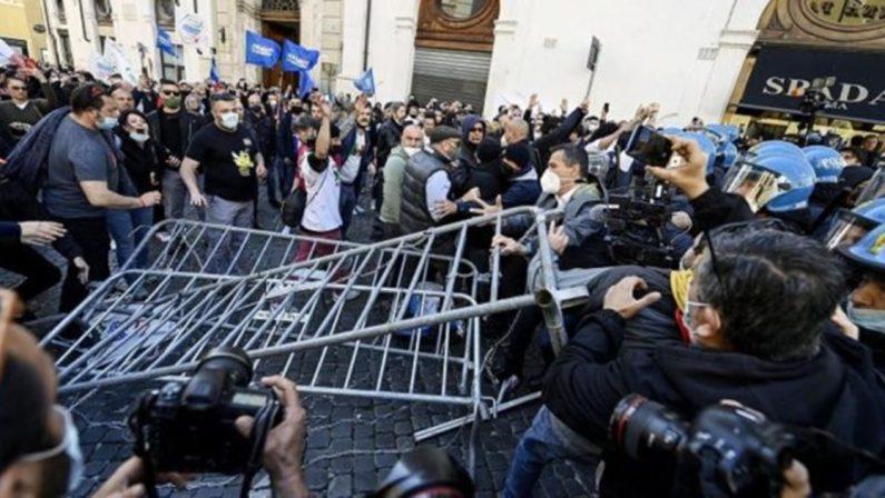 Scontri a Roma, arrestato Roberto Fiore e altri esponenti di Forza Nuova